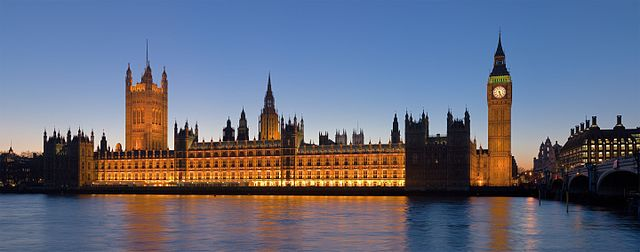 Palace of Westminster at night (2007) DAVID ILIFF License CC-BY-SA 3.0